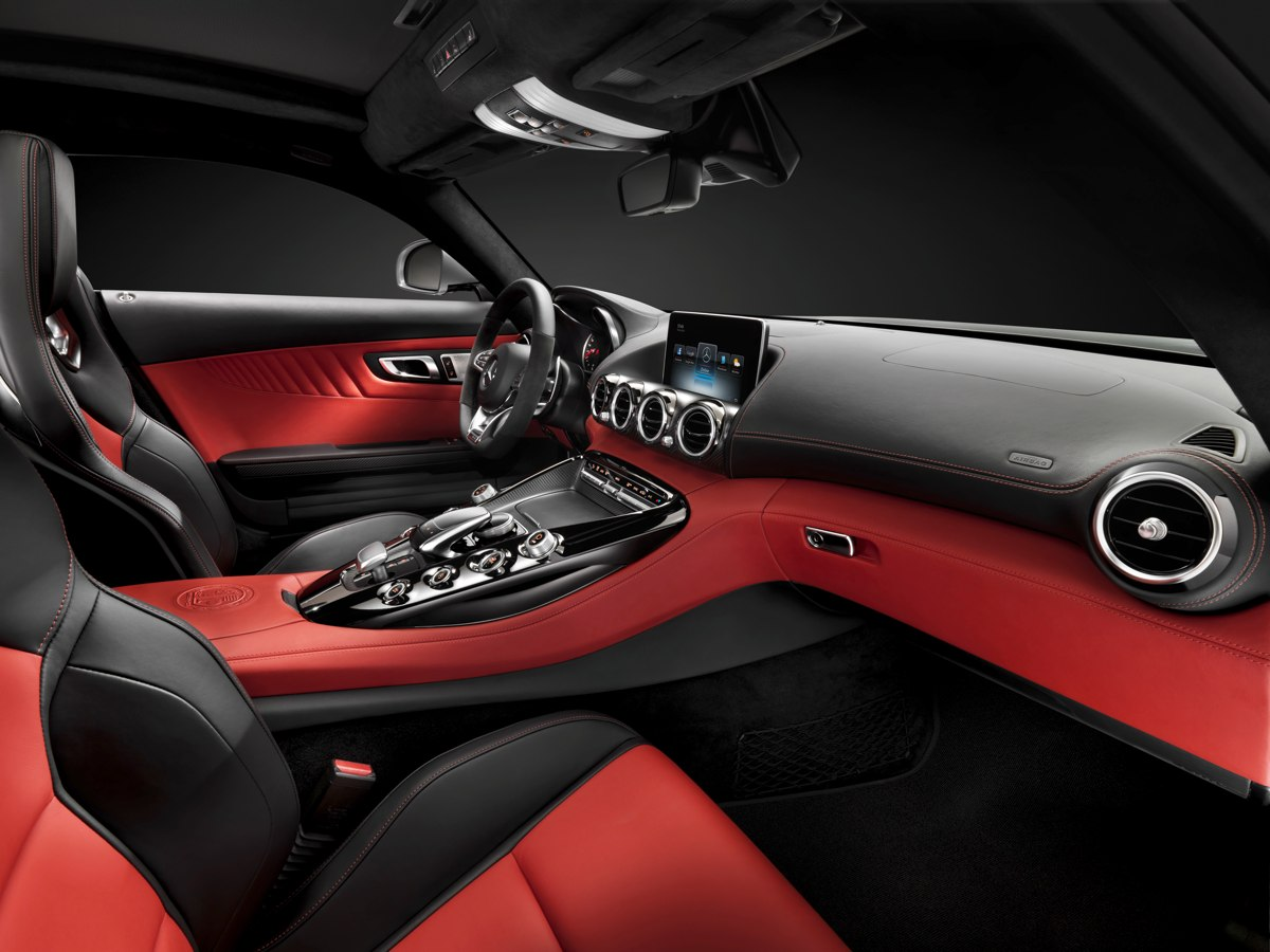 mercedes-amg-gt-c190-2014-v8-new-york-innenraum-interior-erste-fotos-01