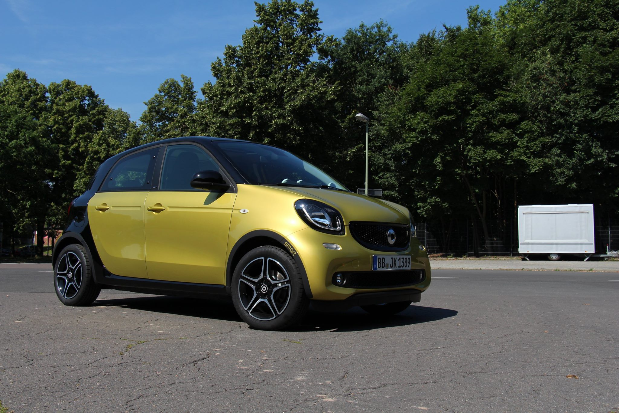neuer-smart-forfour-2014-video