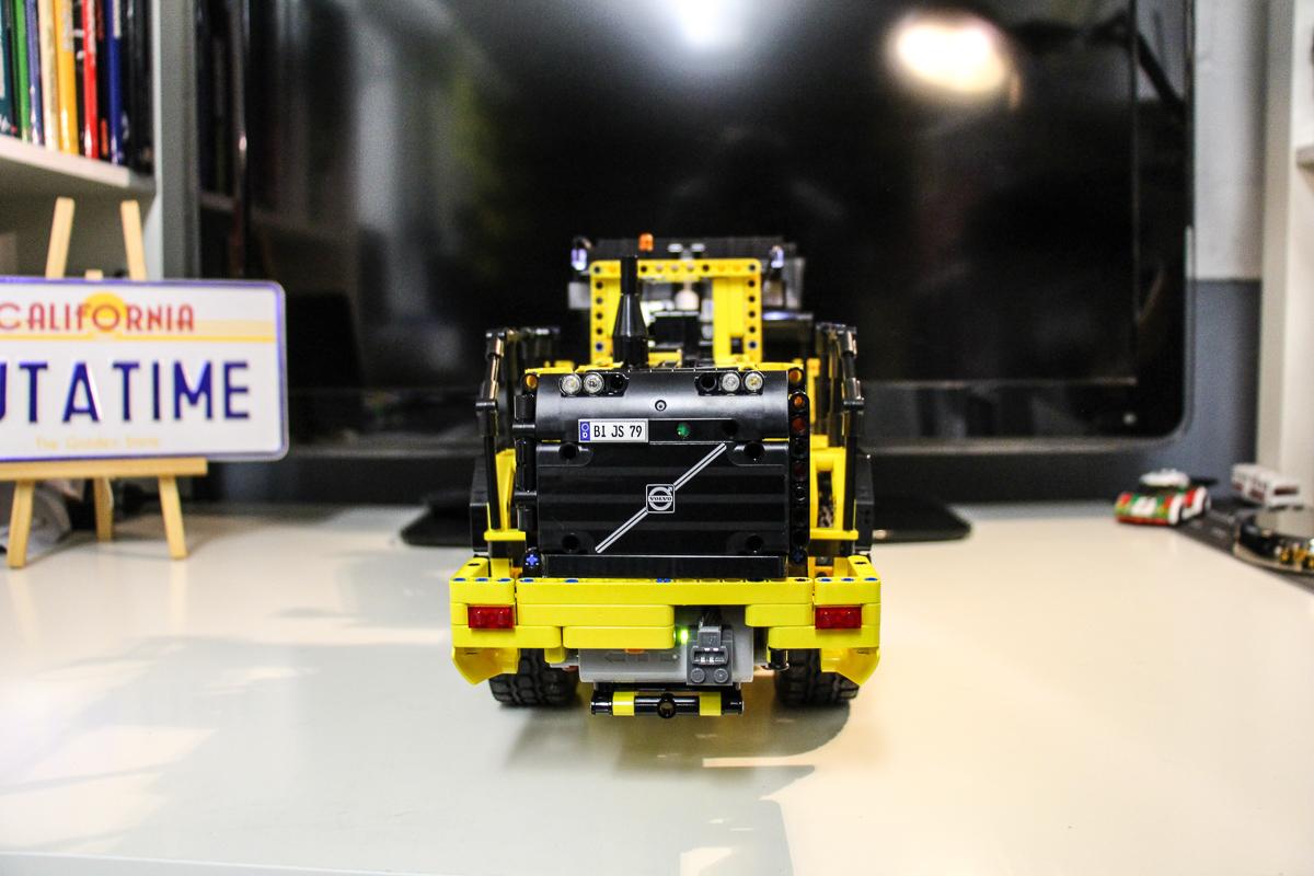lego-technic-42030-volvo-l350f-radlader-tuning-modifizieren-umbauen-feintuning-verbessern-7