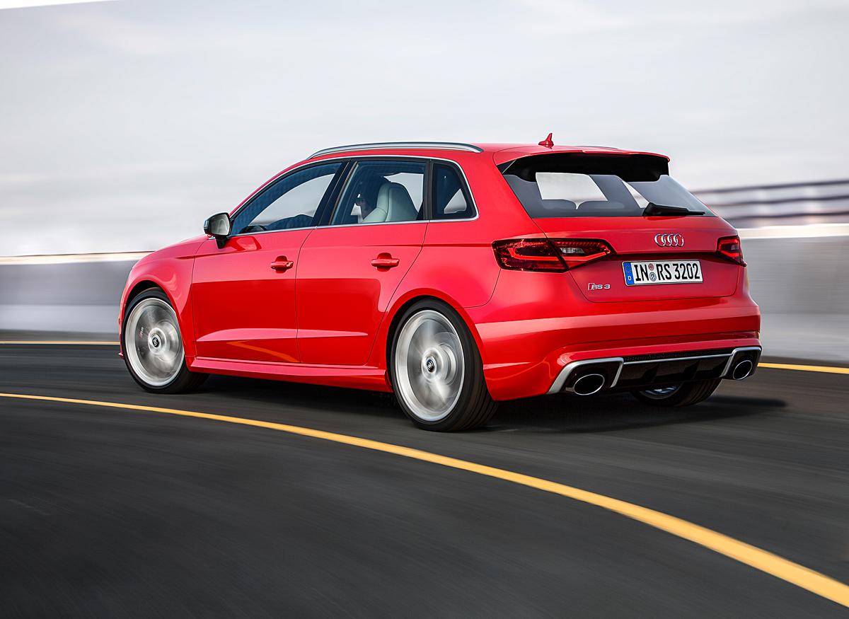 neuer-audi-rs3-sportback-2015-catalunya-rot-technische-daten-1