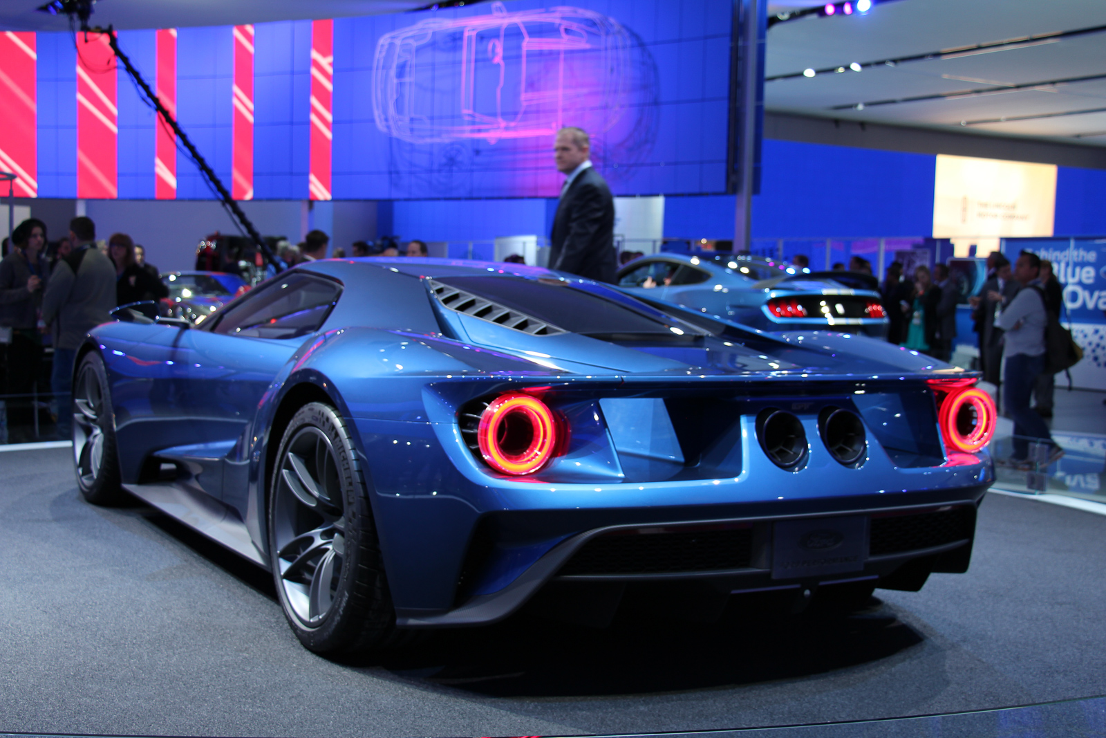 Ford-GT-2016-Concept-NAIAS-2015-Highlights-12