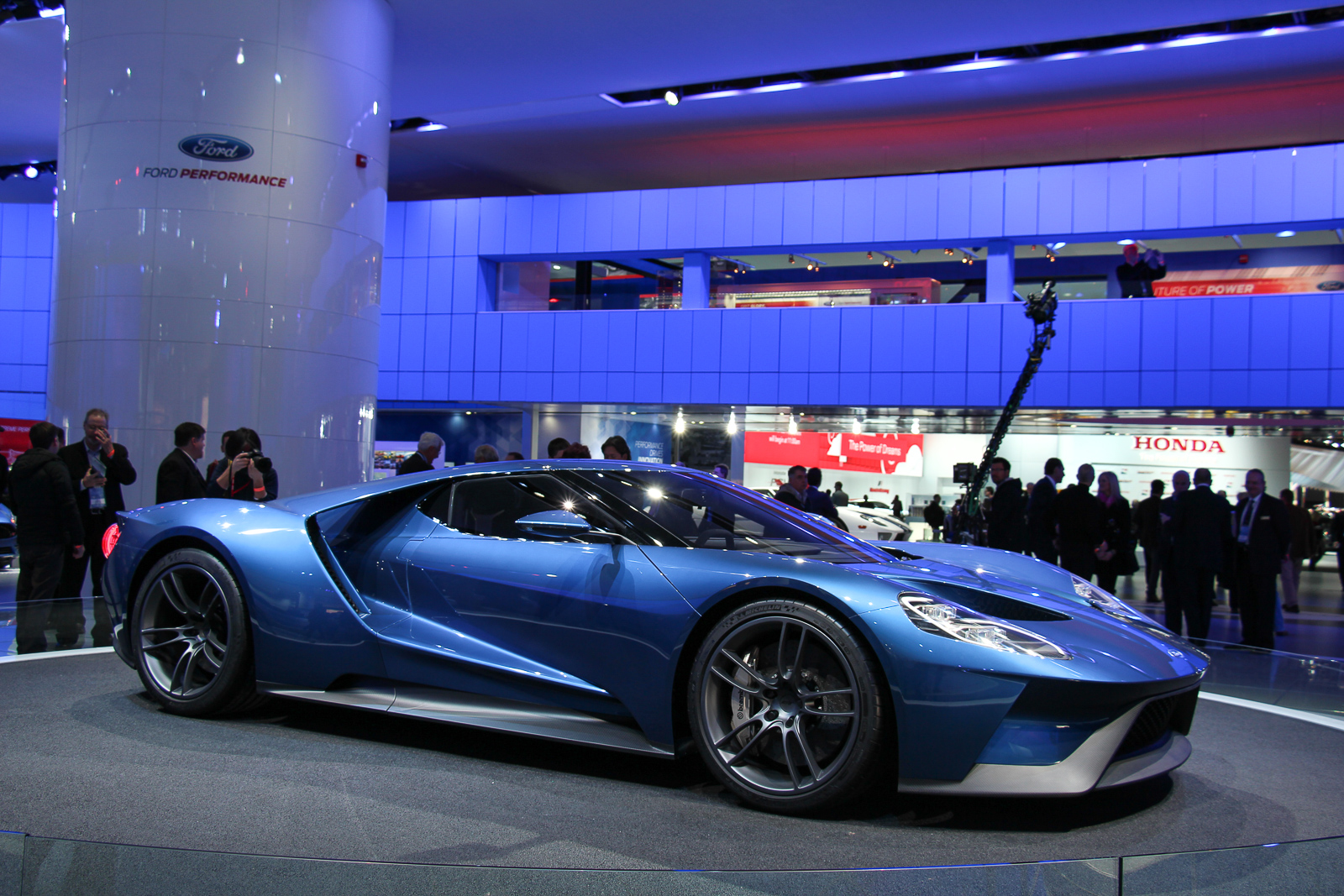 Ford-GT-2016-Concept-NAIAS-2015-Highlights-2