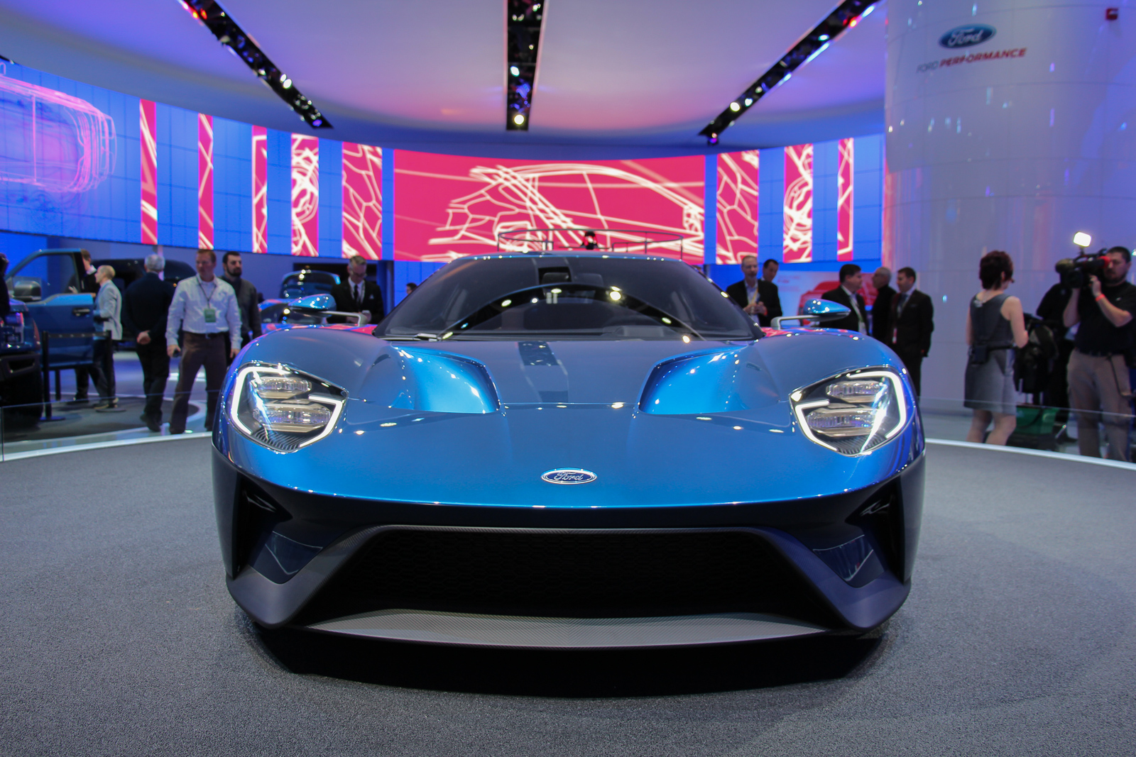 Ford-GT-2016-Concept-NAIAS-2015-Highlights-8