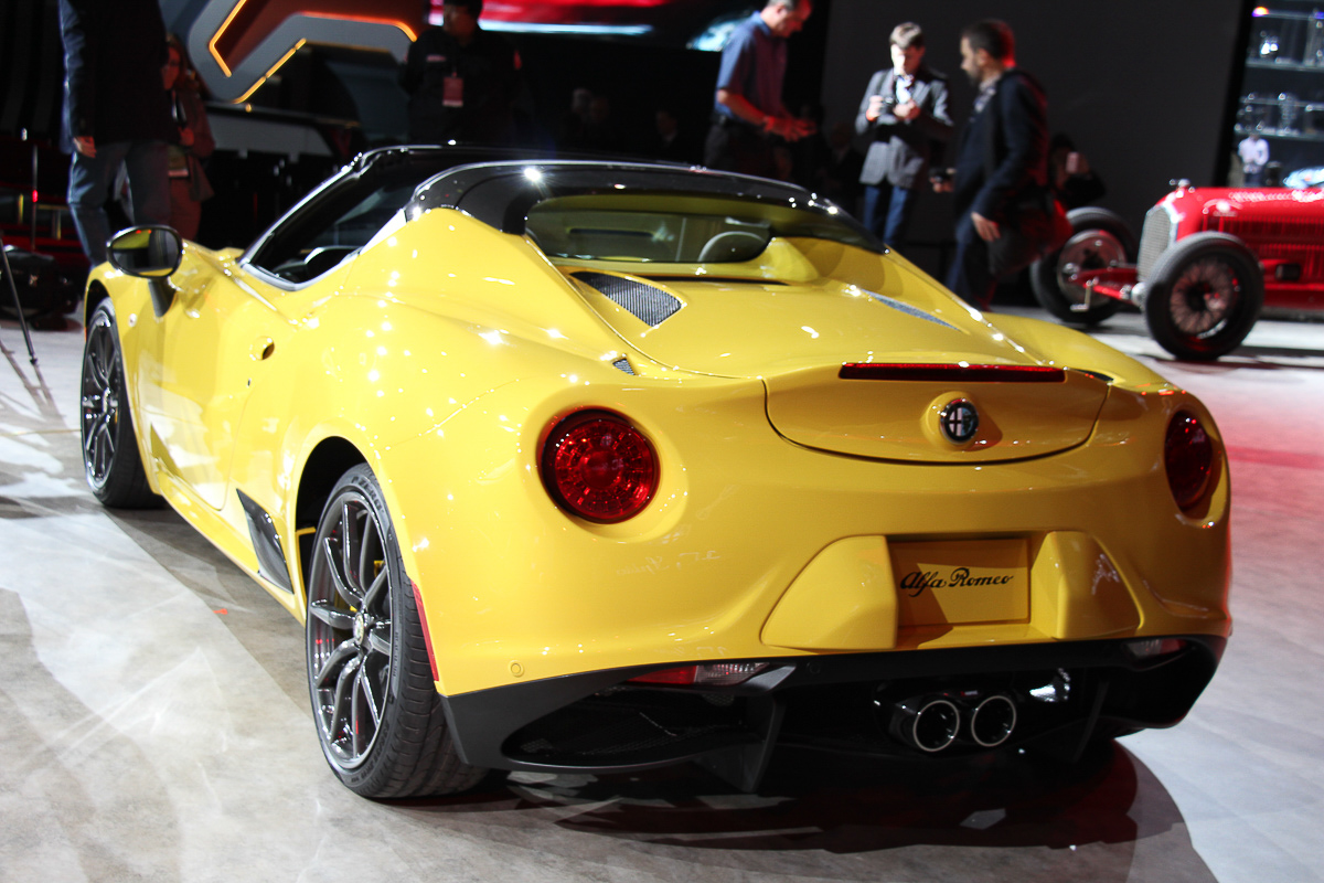naias 2015 highlights alfa romeo 4c spider. Black Bedroom Furniture Sets. Home Design Ideas