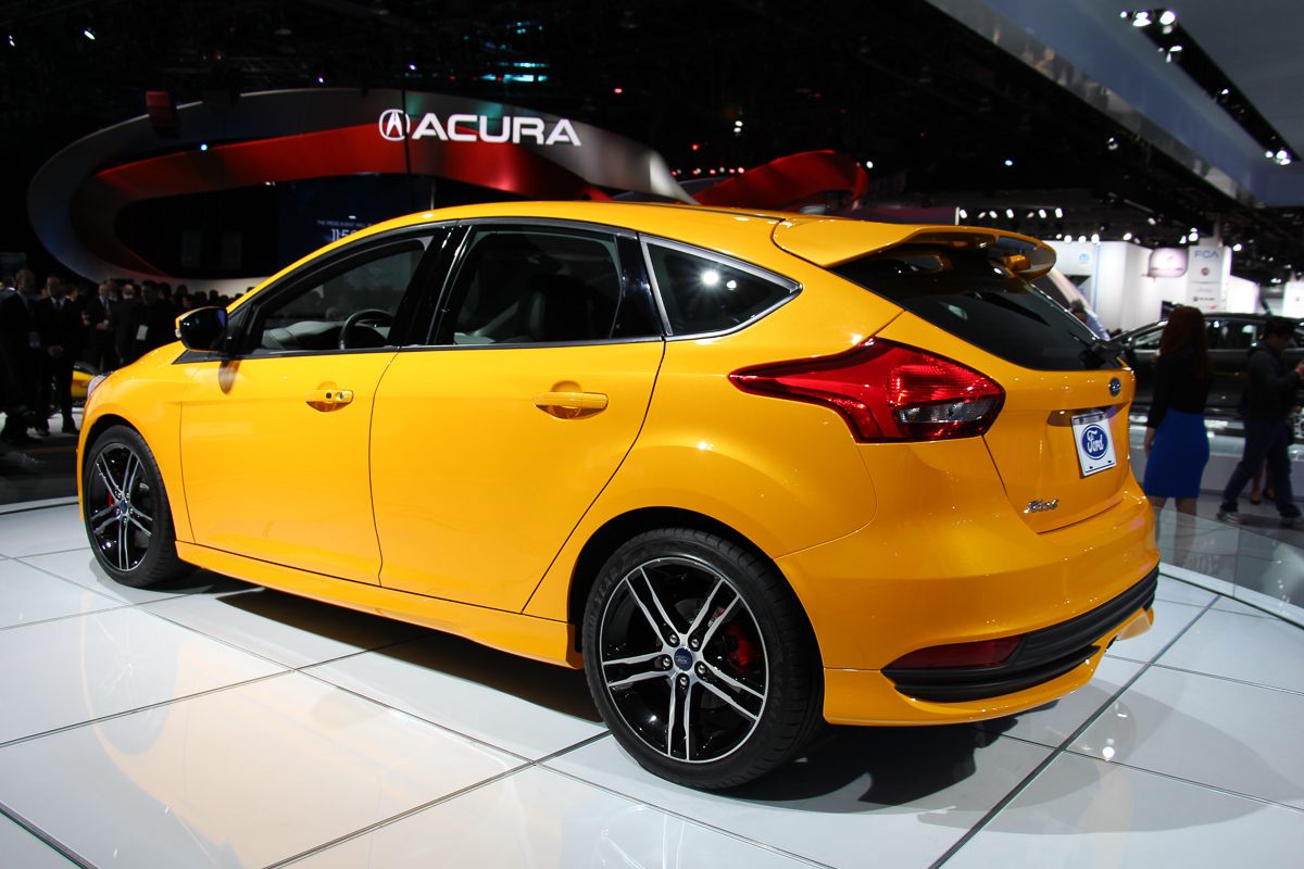 ford-focus-st-2015-heck
