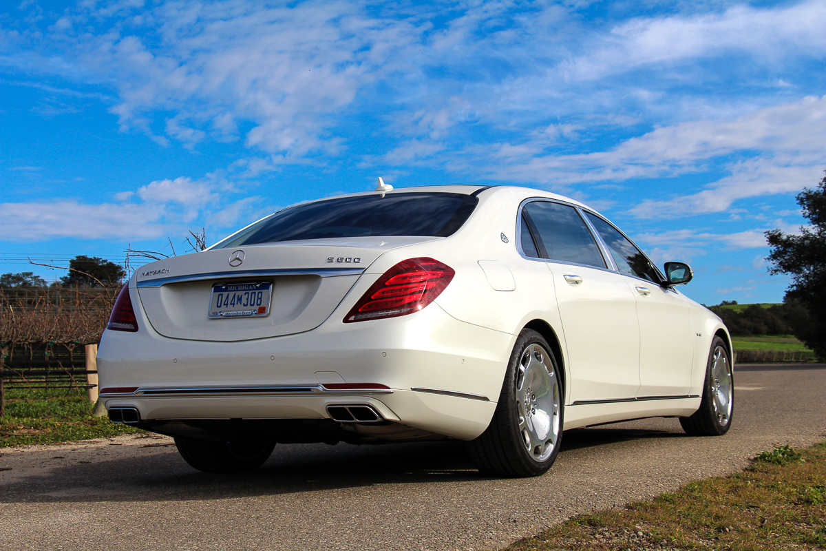 mercedes-maybach-s600-weiss-luxury-in-motion-2015-1