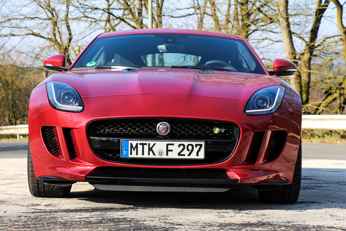2014-jaguar-f-type-coupe-r-2