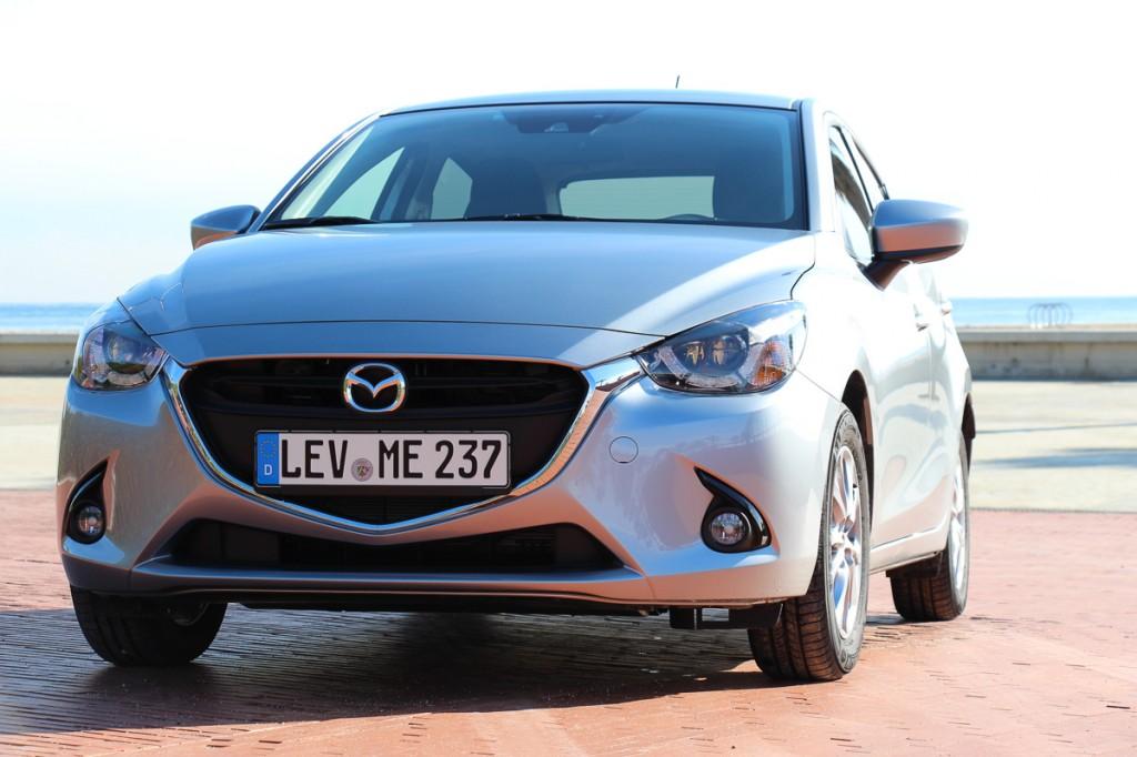 2015-Mazda2-Front