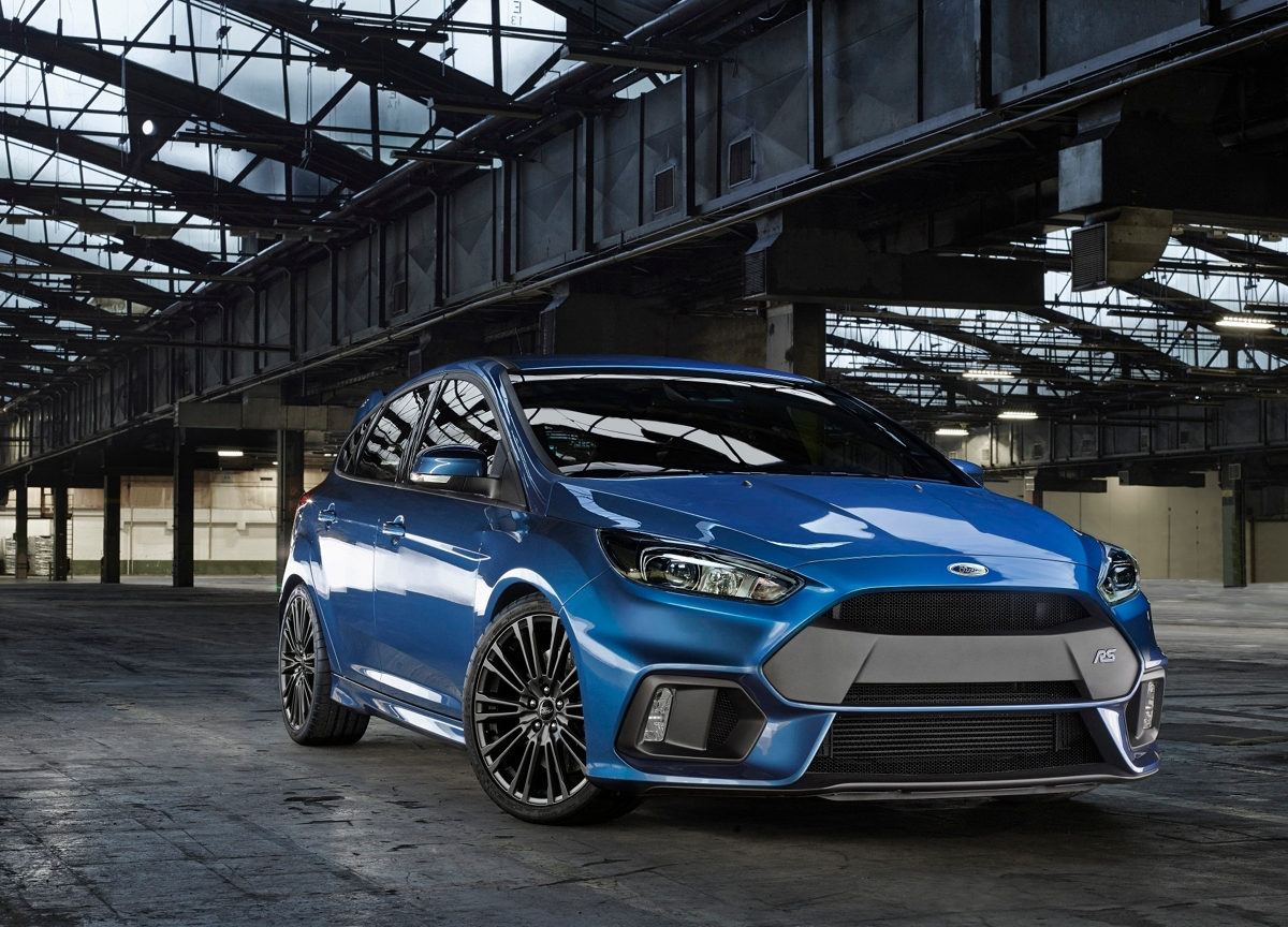 2015-ford-focus-rs-mk3-front