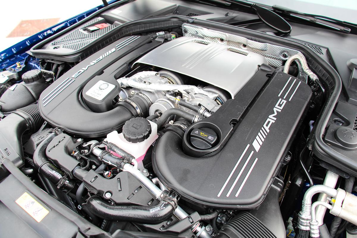 Mercedes-AMG-C63S-Limousine-2015-16
