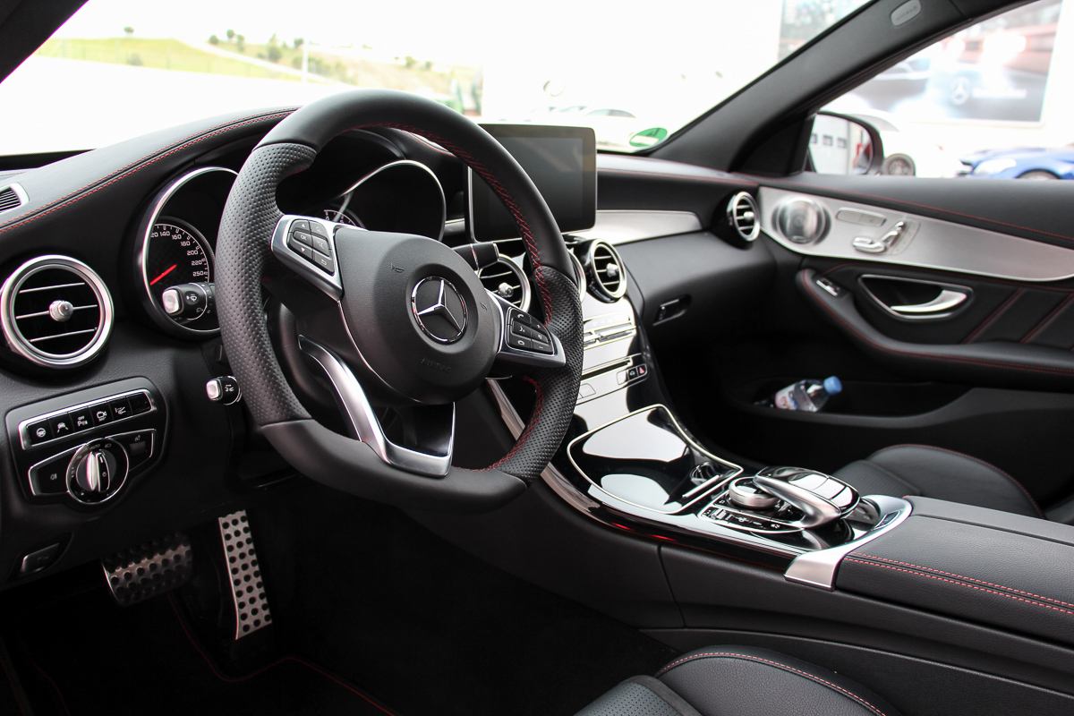 mercedes-benz-c-450-amg-limousine-t-modell-2015-12