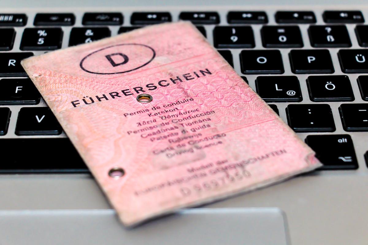 mein-erster-fuehrerschein-rosa-lappen-jens-stratmann-blogparade-1