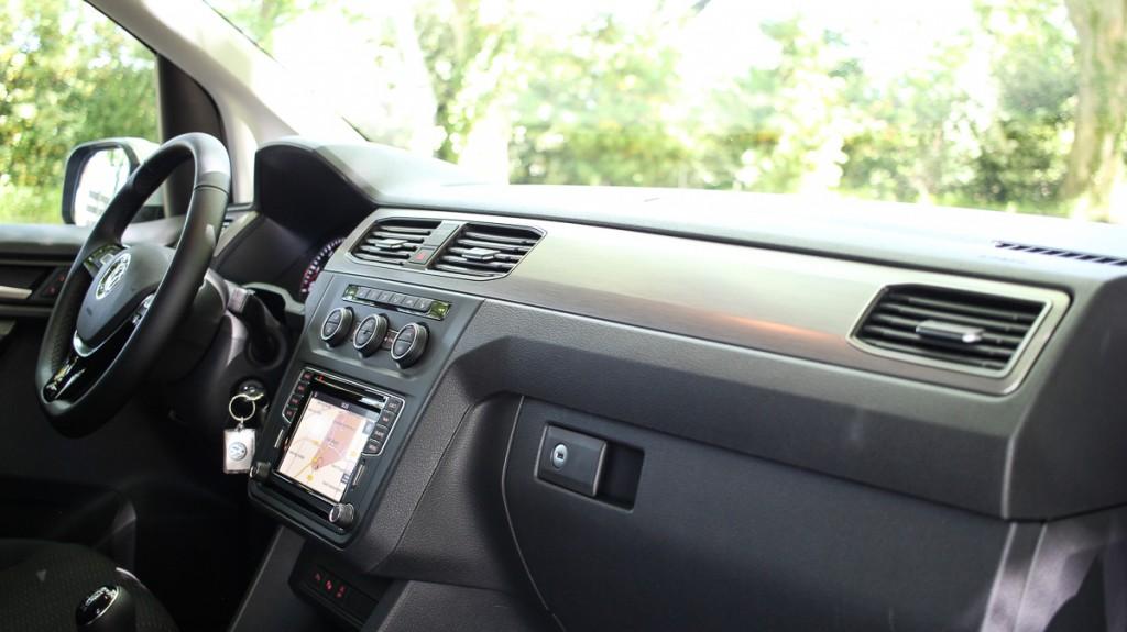 2015-VW-Caddy-4-Comfortline-Silber-150-PS-Diesel-Fahrbericht-Test-Jens-Stratmann-45