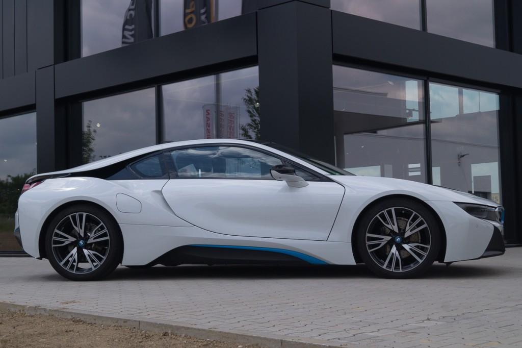 2015-BMW-i8-Porsche-911-Mercedes-AMG-GT-Lamborghini-rad-ab-Jens-Stratmann-2