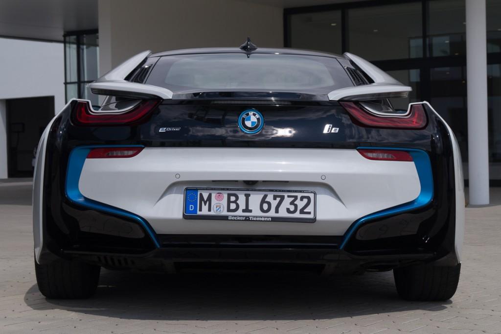 2015-BMW-i8-Porsche-911-Mercedes-AMG-GT-Lamborghini-rad-ab-Jens-Stratmann-3