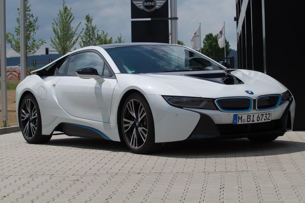 2015-BMW-i8-Porsche-911-Mercedes-AMG-GT-Lamborghini-rad-ab-Jens-Stratmann-5
