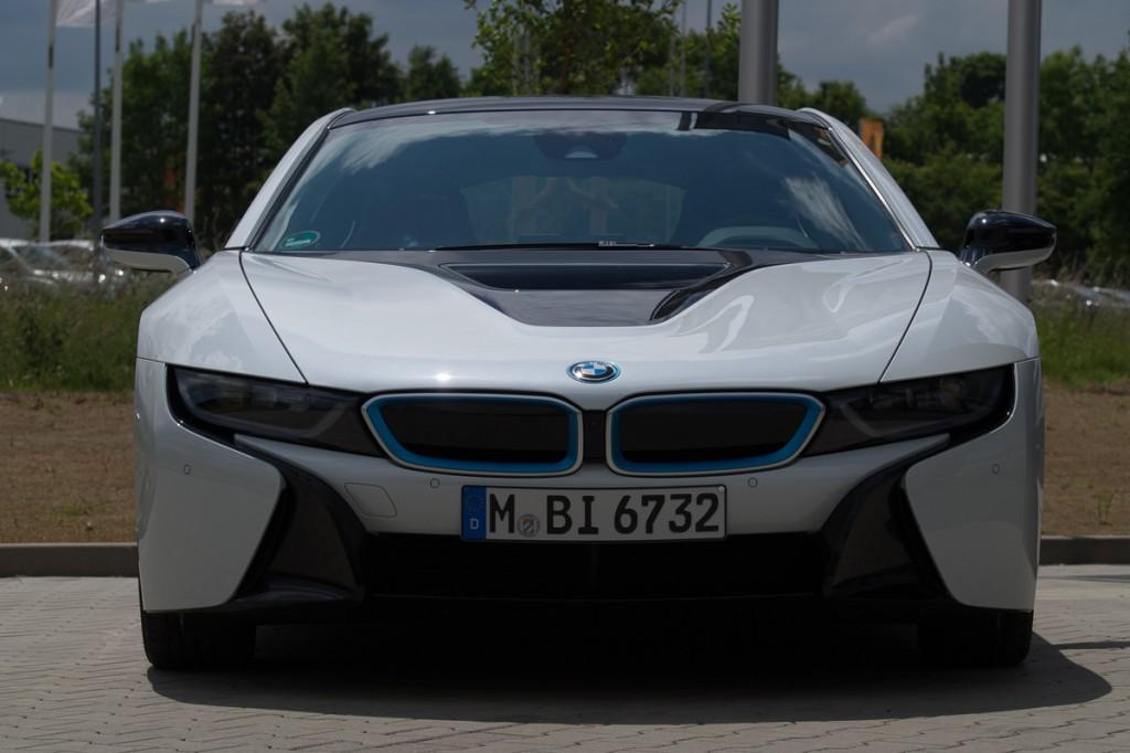 2015-BMW-i8-Porsche-911-Mercedes-AMG-GT-Lamborghini-rad-ab-Jens-Stratmann-6