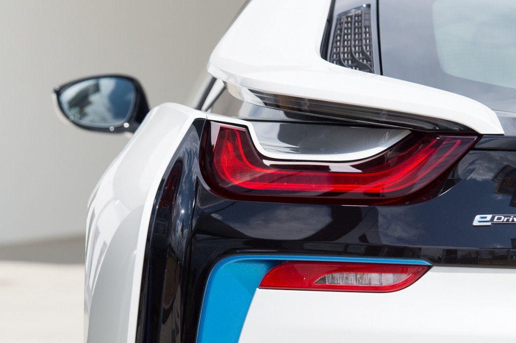 2015-BMW-i8-Porsche-911-Mercedes-AMG-GT-Lamborghini-rad-ab-Jens-Stratmann-9