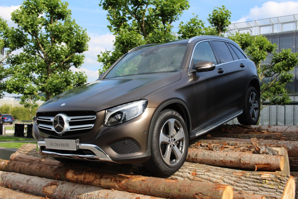 2015-Mercedes-Benz-GLC