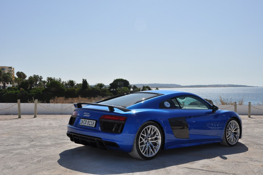 Fahrbericht Test Video Audi R8 V10 Plus 2016 Rad Abcom