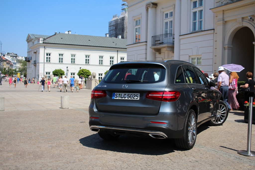 Mercedes-Benz-Roadtrip-2015-MBPolarSun-Warschau-9