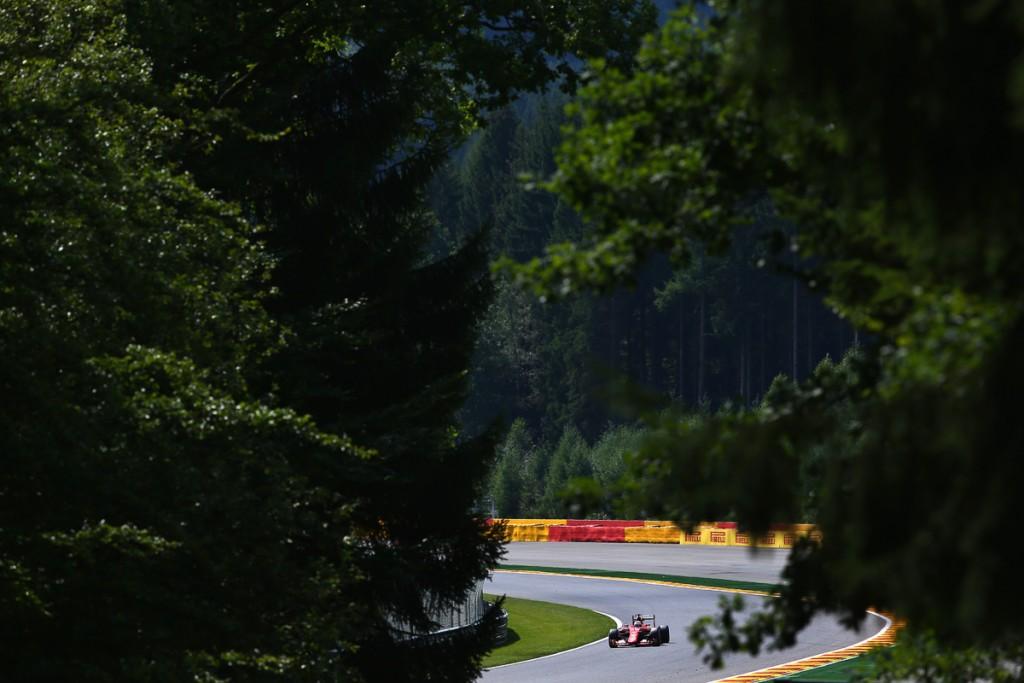 Ferrari-Formel-1-Shell-2015-Spa-Franchorcamps-Sebastian-Vettel-Kimi-13