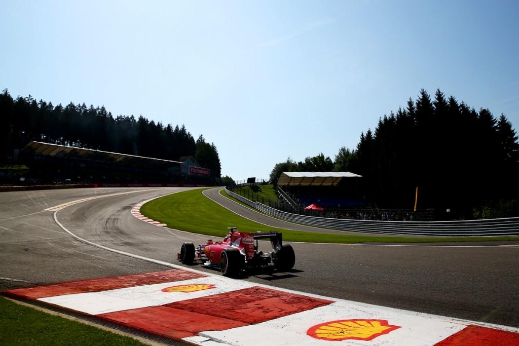 Ferrari-Formel-1-Shell-2015-Spa-Franchorcamps-Sebastian-Vettel-Kimi-7