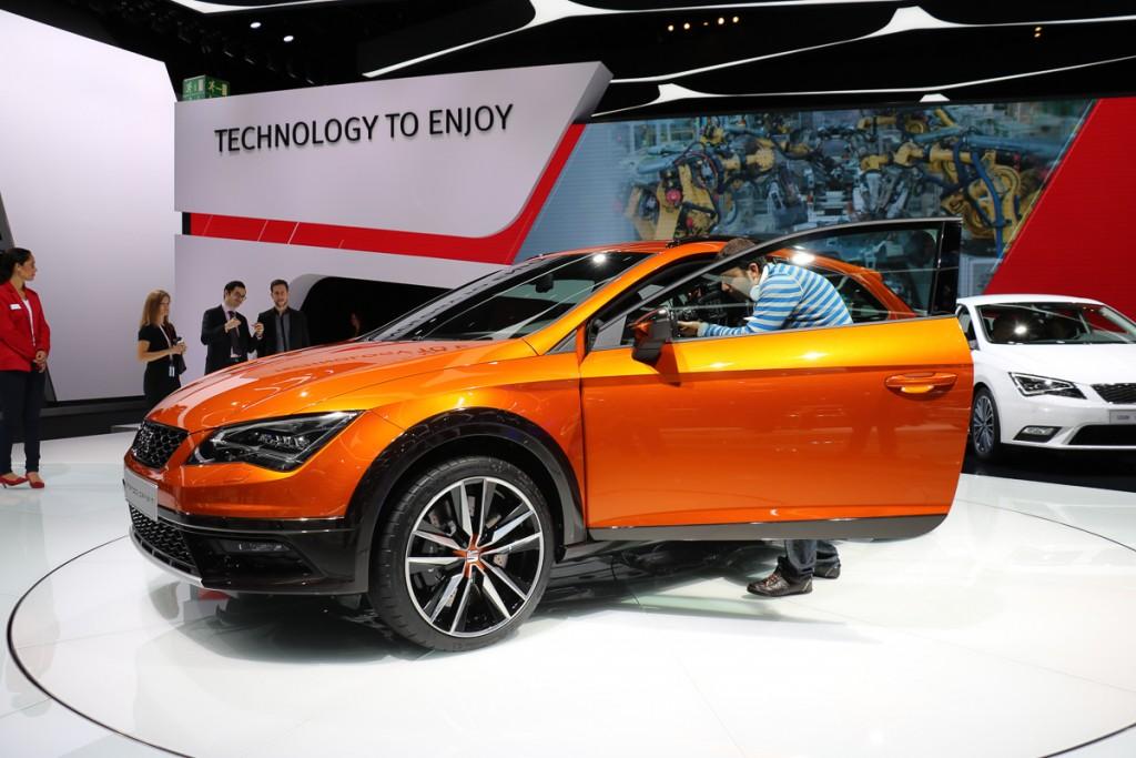 Seat-Leon-Cross-Sport-Concept-IAA-2015-3