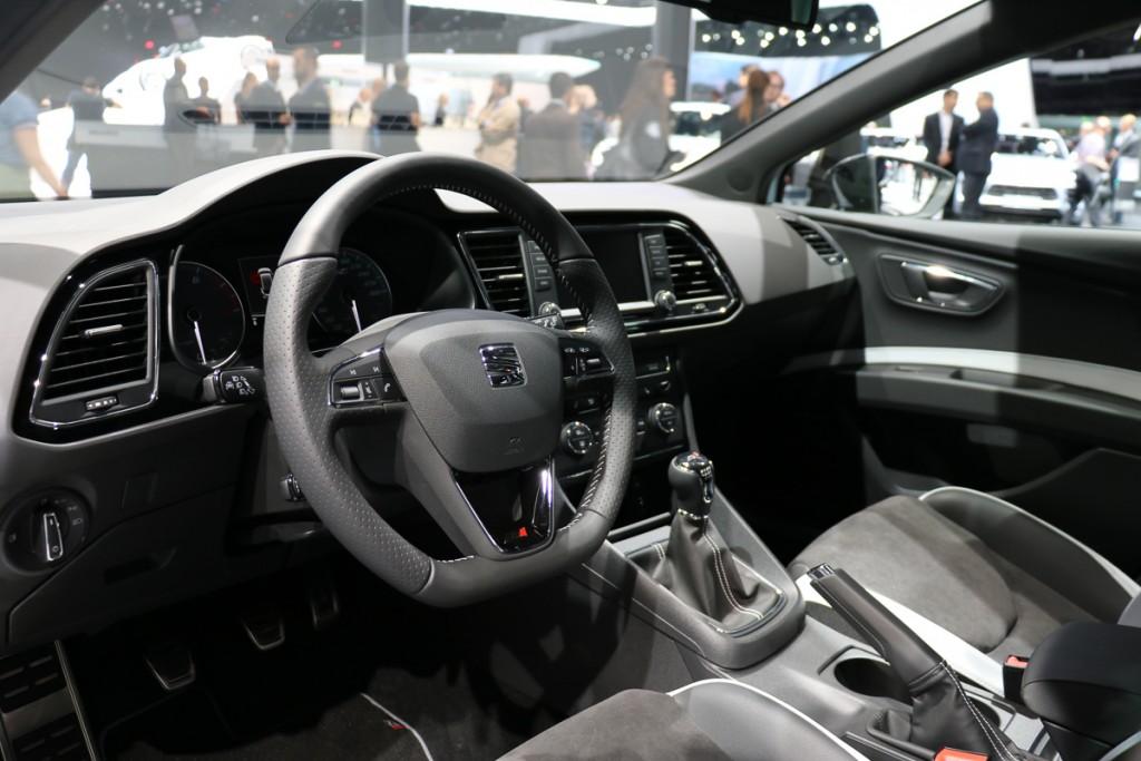 Seat-Leon-ST-Cupra-290-IAA-2015-Jens-Stratmann-4