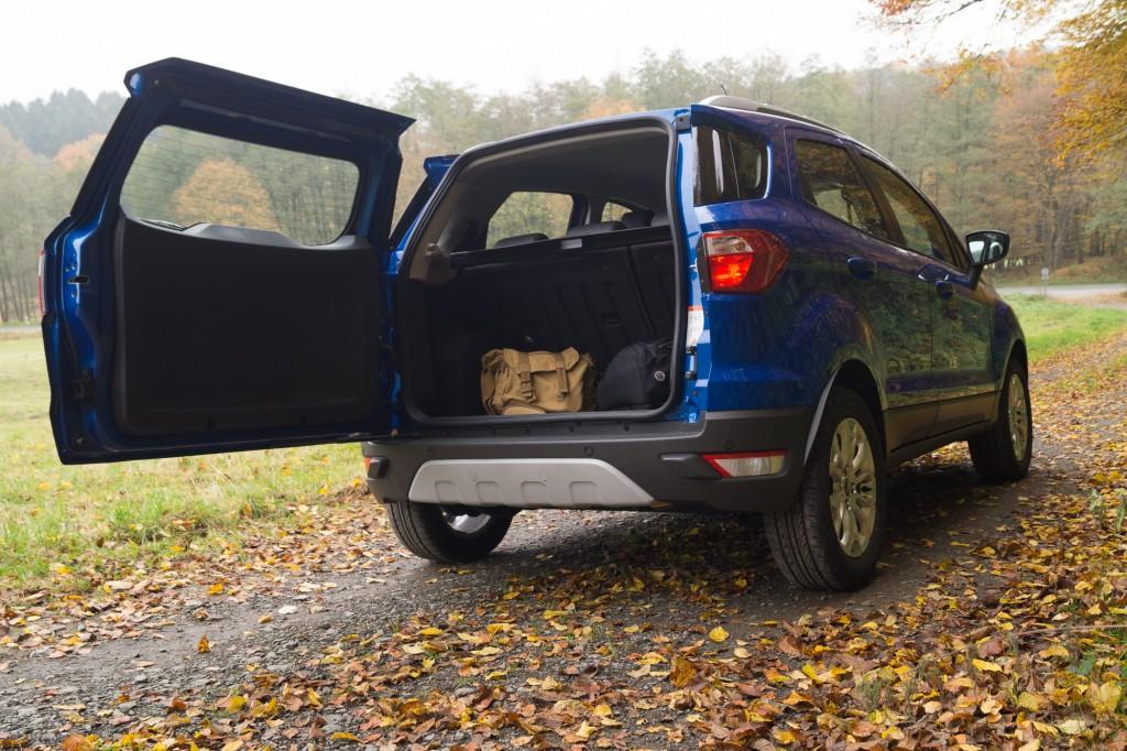 Ford-EcoSport-2015-18