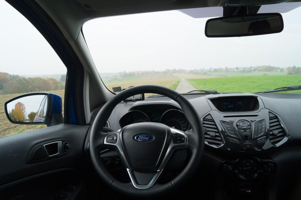 Ford-EcoSport-2015-51