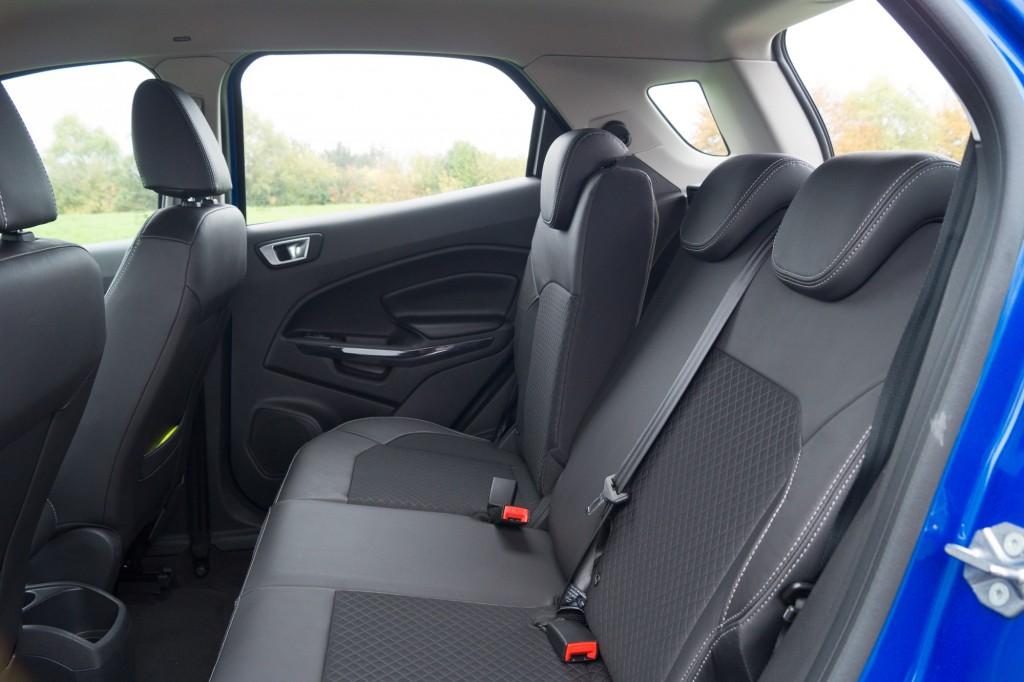 Ford-EcoSport-2015-64