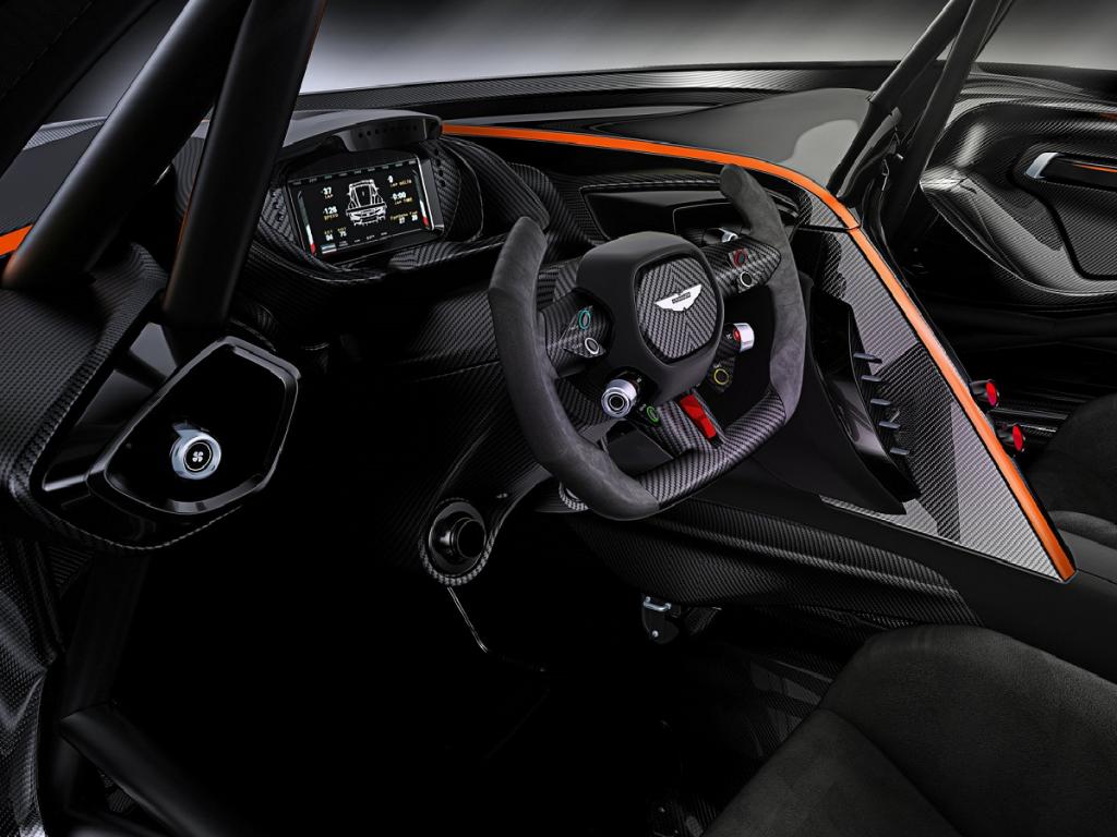 Rad-Ab-Aston-Martin-Vulcan-Interieur