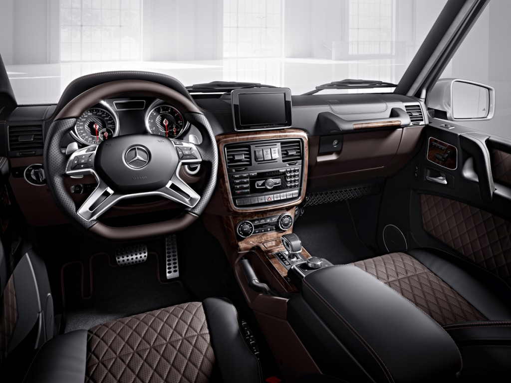 Mercedes-Benz G-Klasse, designo manufaktur, Interieur: designo Leder moccabraun/schwarz Mercedes-Benz G-Klasse, designo manufaktur, interior: designo leather mocha brown/black