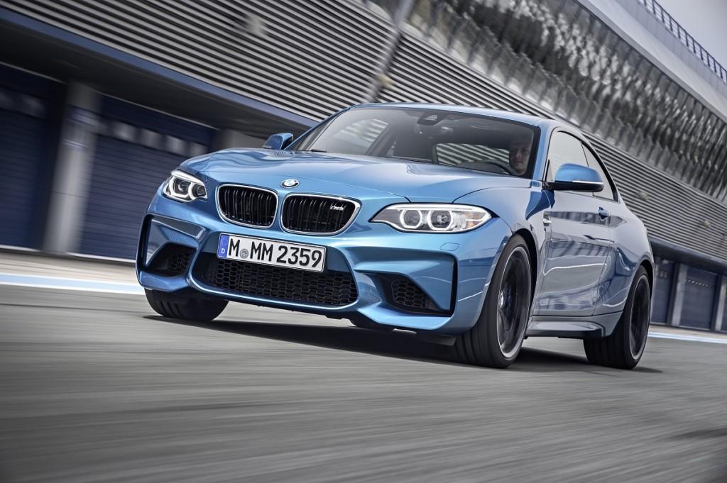 BMW-NAIAS-2016-M2-X4-M40i-Rad-Ab-Com (6)