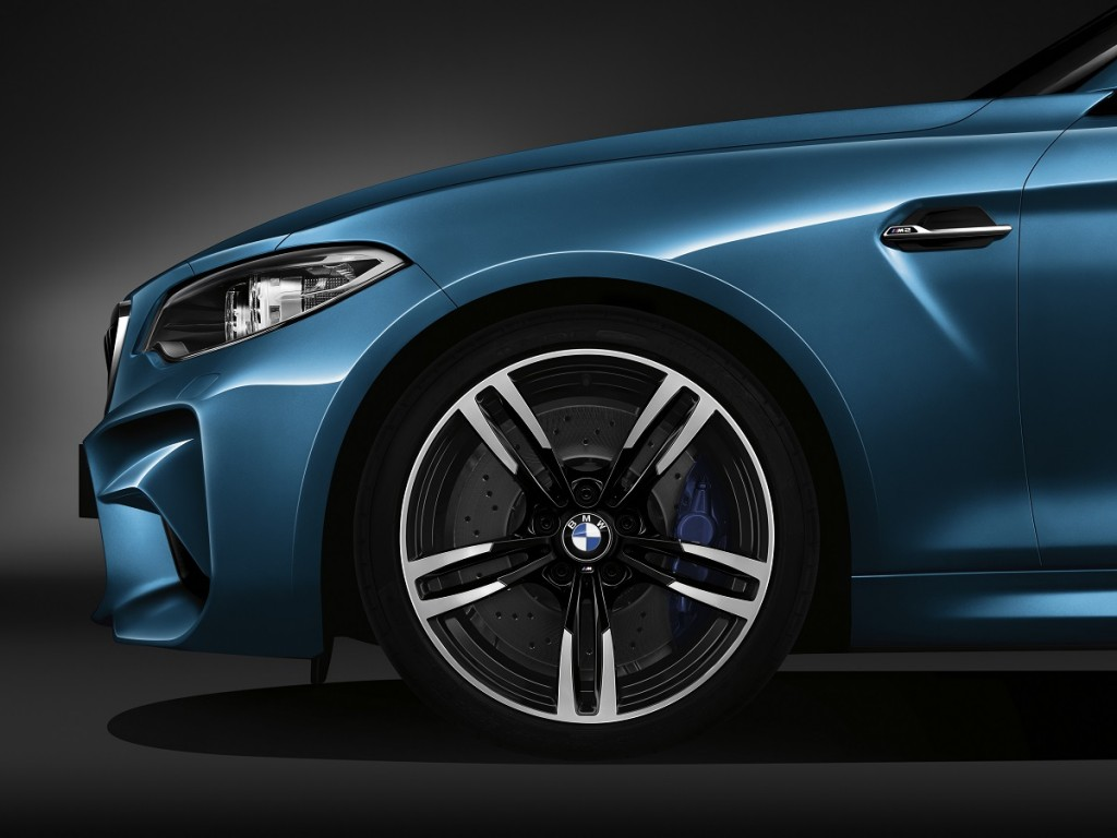 BMW-NAIAS-2016-M2-X4-M40i-Rad-Ab-Com (7)