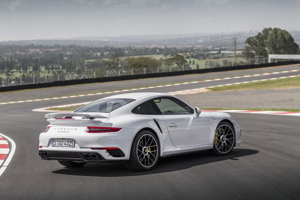 Porsche-911-Turbo-S-2016-Rad-Ab-Com (3)