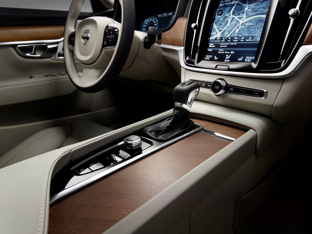 Interior Tunnel Console Volvo S90