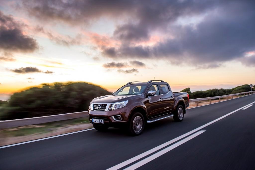 Nissan-Navara-2016-Rad-Ab-Com (2)