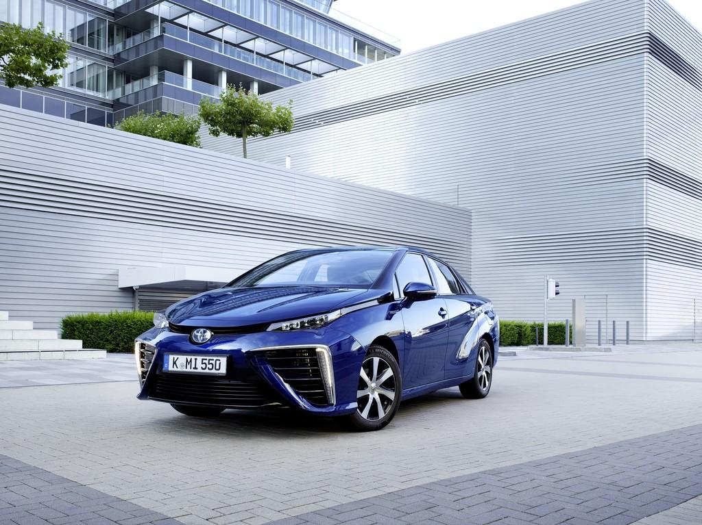 Toyota-Mirai-Auto-Der-Vernunft-2016-Rad-Ab-Com
