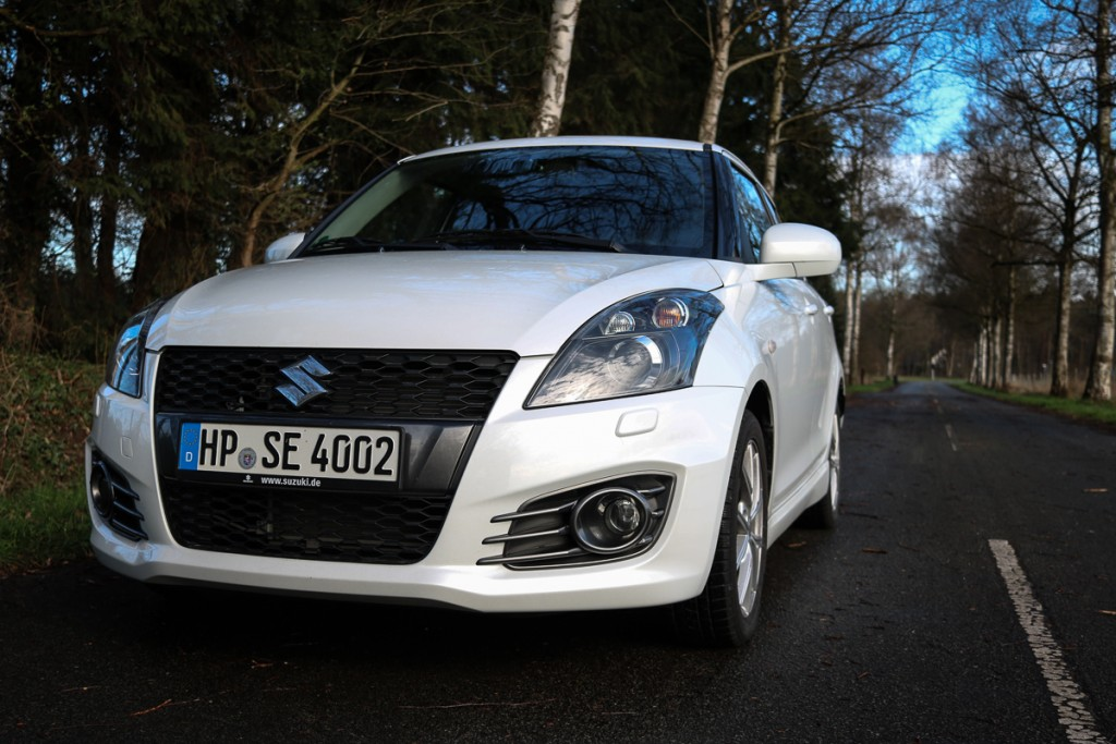 2016-Suzuki-Swift-Sport-25