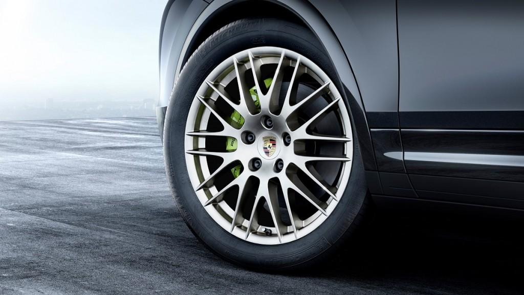 Porsche-Cayenne-S-E-Hybrid-Platinum-Edition-Rad-Ab-Com(1)