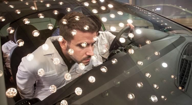 Seat-Geruch-Schnueffeln-Chemiker-Riechen-Matierialien-Test-2016-Rad-Ab-Com (1)