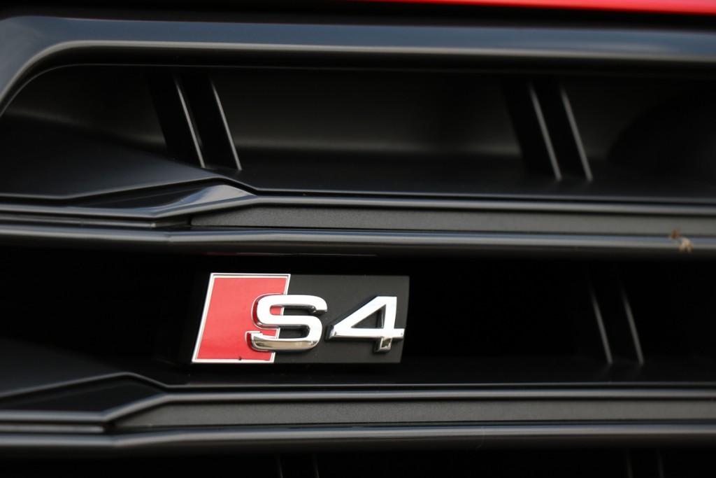 2016-audi-s4-fahrbericht-test-review-avant-limousine-rot-blau-rad-ab-com-25