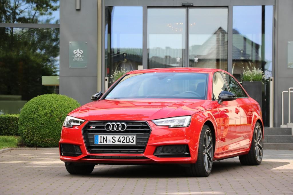 2016-audi-s4-fahrbericht-test-review-avant-limousine-rot-blau-rad-ab-com-9