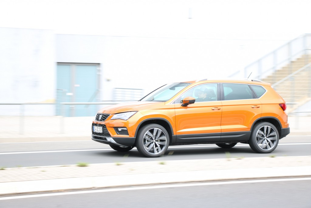 2016-seat-ateca-fahrbericht-test-review-suv-orange-rad-ab-com-1