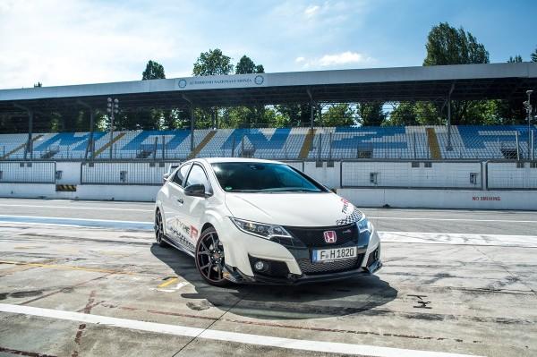 Honda-Civic-Type-R-Benchmark-2016-Rad-Ab-com (1)