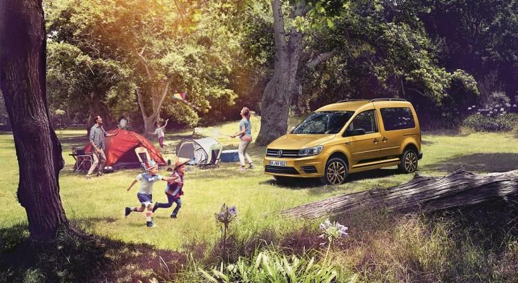 Volkswagen-Nutzfahrzeuge-Caddy-Family-Van-2016-Rad-Ab-Com (1)