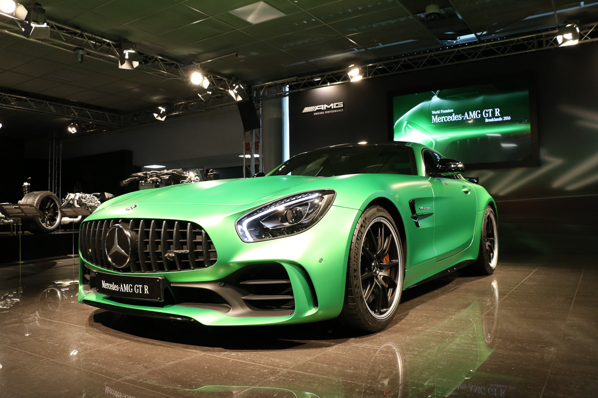 weltpremiere mercedes amg gtr fotos fakten rad. Black Bedroom Furniture Sets. Home Design Ideas