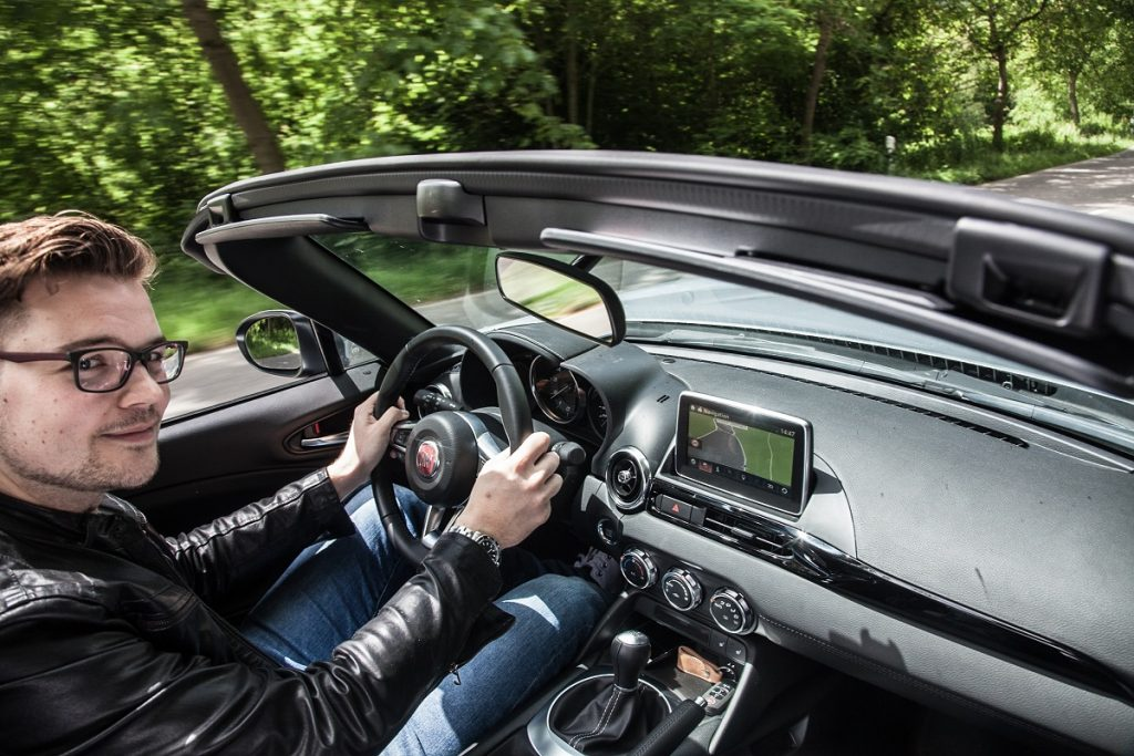 Fiat-124-Spider-Roadster-Fahrbericht-2016-Rad-Ab (5)